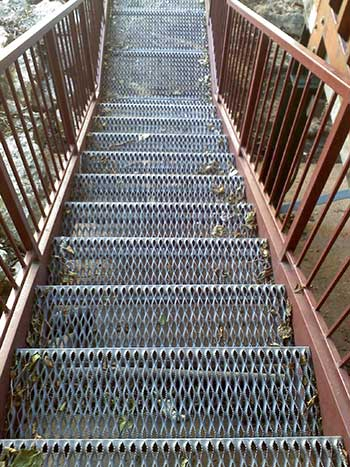diamond grip stair fabrication