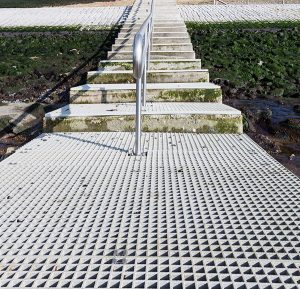 Architectural-molded-fiberglass-walkway
