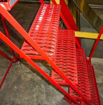 Grip-Strut-safety-grating-3-Diamond-steps