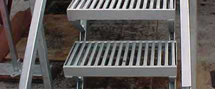 Grate-lock-Stair-Treads-with-railing