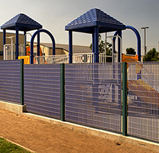 Bar-Grating-fencing in a playground