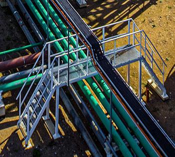 bridge-over-pipes