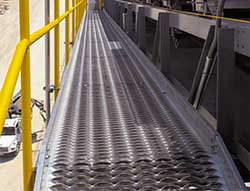 diamond-safety-grating-walkway
